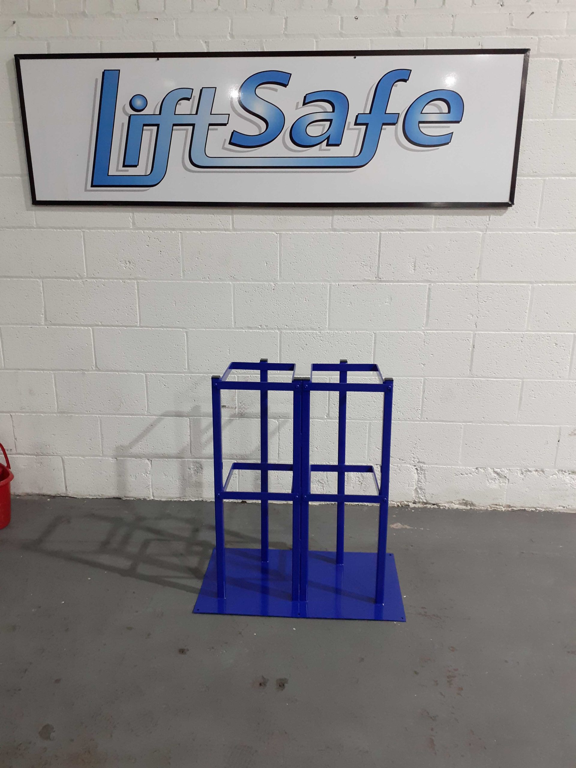 Oxford University Invests In Dual Cylinder Stand From Lift Safe