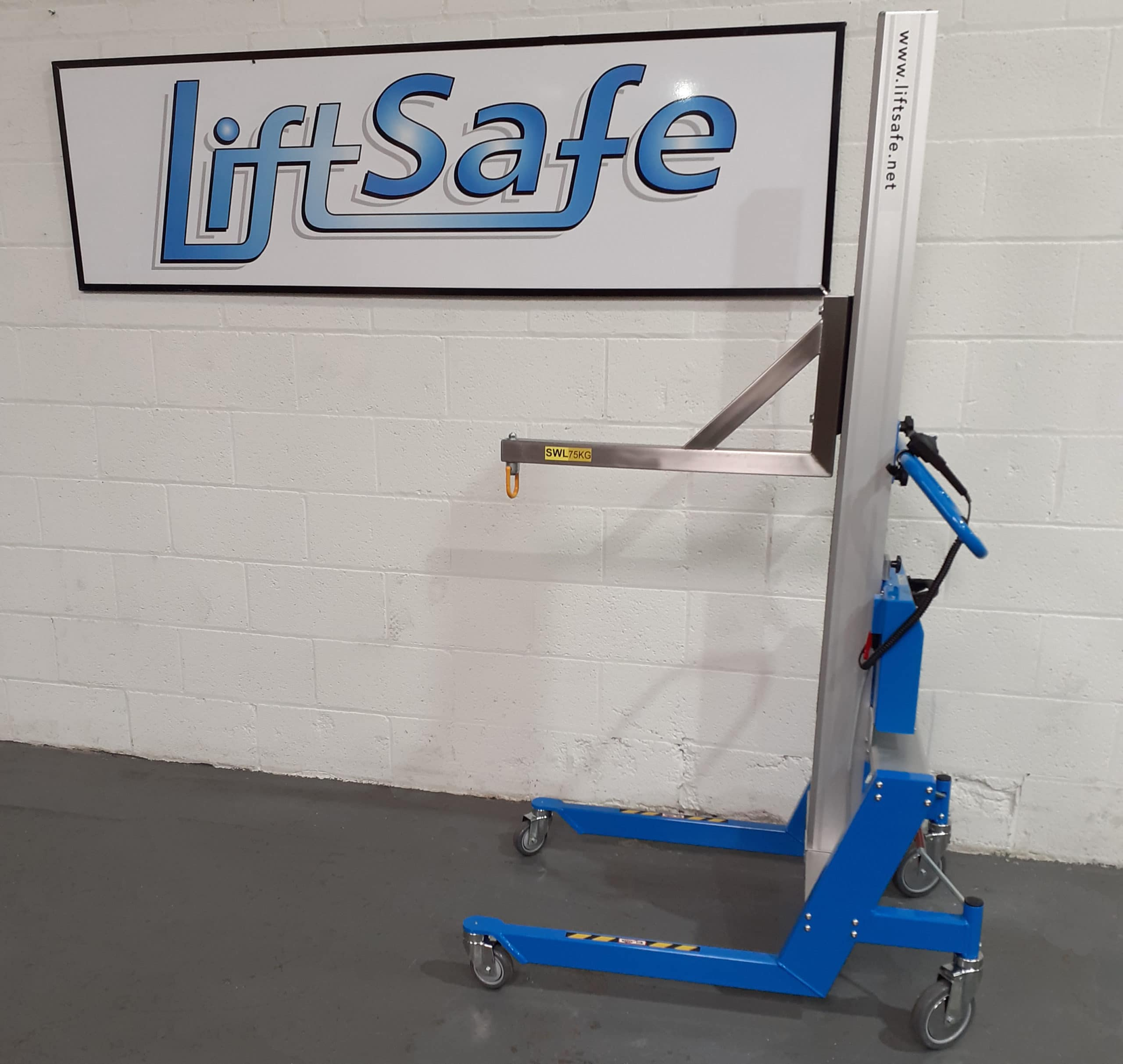 Scientific Instrumentation Company Takes Delivery of Lifting Equipment from Lift Safe